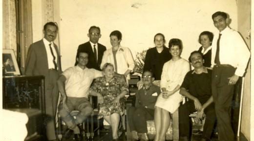 Lênio com irmãos, cunhados e pais. 1964.
